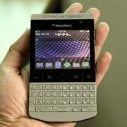 Blackberry-Porsche-Design-P'9981-man-hinh